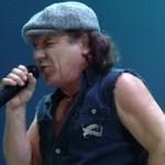 Вокалист AC/DC станет доктором