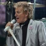 Посетитель концерта Рода Стюарта в Лас-Вегасе подал на певца в суд за сломанный нос