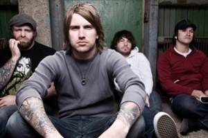 Гитарист группы Every Time I Die выбил телефон из рук поклонника при помощи приема «каратэ»