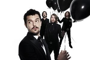 Фронтмен The Killers хранит сбритую за семь лет бороду в специальном пакетике