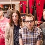 Weezer выпустили новую песню Everybody Needs Salvation