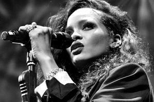 Рианна заявила, что «расизм» в музыкальной индустрии «никогда не закончится»