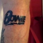 Фли из Red Hot Chili Peppers набил татуировку в память о Дэвиде Боуи