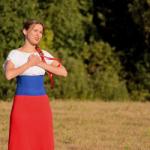 Новый клип Машани «Рубль-доллар» набирает популярность в сети