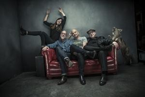 Pixies презентовали видео на трек Um Chagga Lagga