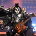 Джин Симмонс хочет запатентовать рокерскую «козу»