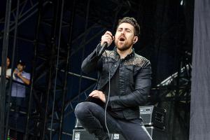 AFI осудили экс-басиста за переиздание альбомов группы без их ведома
