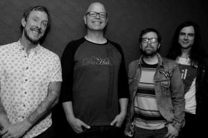 Weezer опубликовали песню Happy Hour