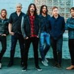 Foo Fighters запретили поклонникам пить миндальное молоко и надевать гетры на своих концертах