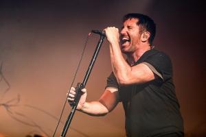 Nine Inch Nails презентовали видео God Break Down The Door