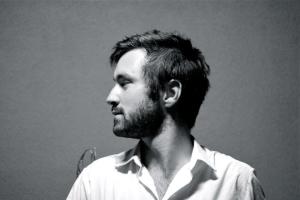 Том Розенталь опубликовал видео на сингл ETIGAFY