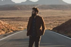 Passenger поделился акустической версией песни He Leaves You Cold