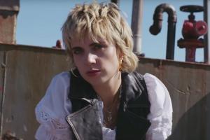 MØ выпустила лирик-видео на сингл Blur